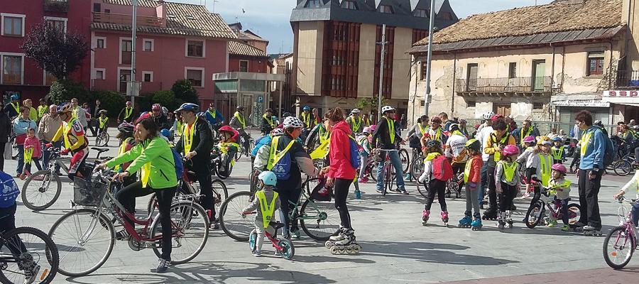 """""""Fiesta de la bicicleta y día del pedal"""" en Jaca"""