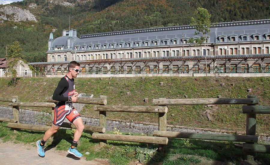 El Duatlón Cros de la Estación de Canfranc, que este año cumplirá su segunda edición el próximo 30 de septiembre, es una prueba que pone en valor un enclave pirenaico de enorme riqueza patrimonial, además de fomentar una actividad deportiva claramente en auge en nuestra Comunidad.
